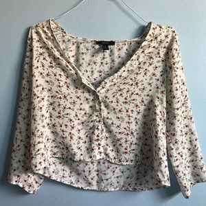 🌹 ADORABLE rose patterned crop-top blouse